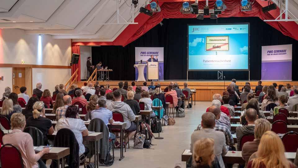 Impression von der Eröffnung des JuraHealth Congress.